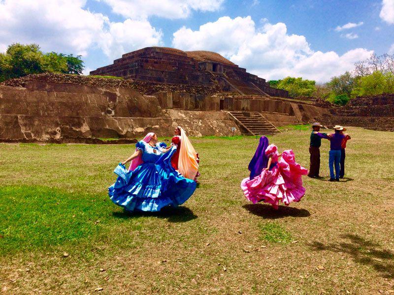 Sitio Arqueológico Tazumal. Municipio de Chalchuapa, departamento de Santa Ana, El Salvador. Bendita Tierra.